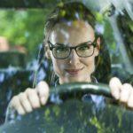 Revisa tu visión antes de viajar en coche con Varilux España y Centro Óptico Marqués